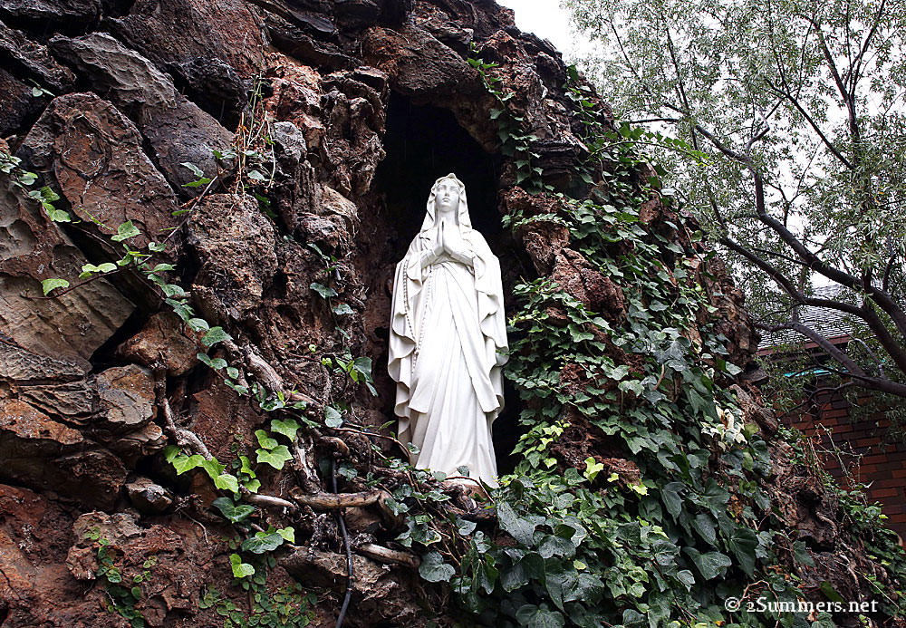 Virgin-Mary-and-ivy